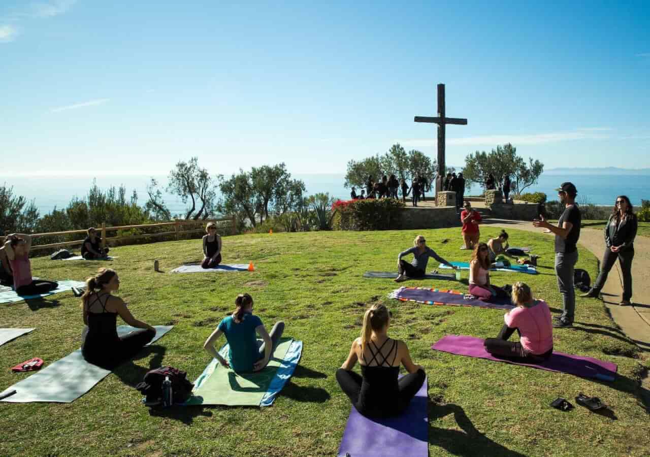 popup yoga at serra cross