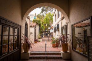 el jardin courtyard ventura palm & boy