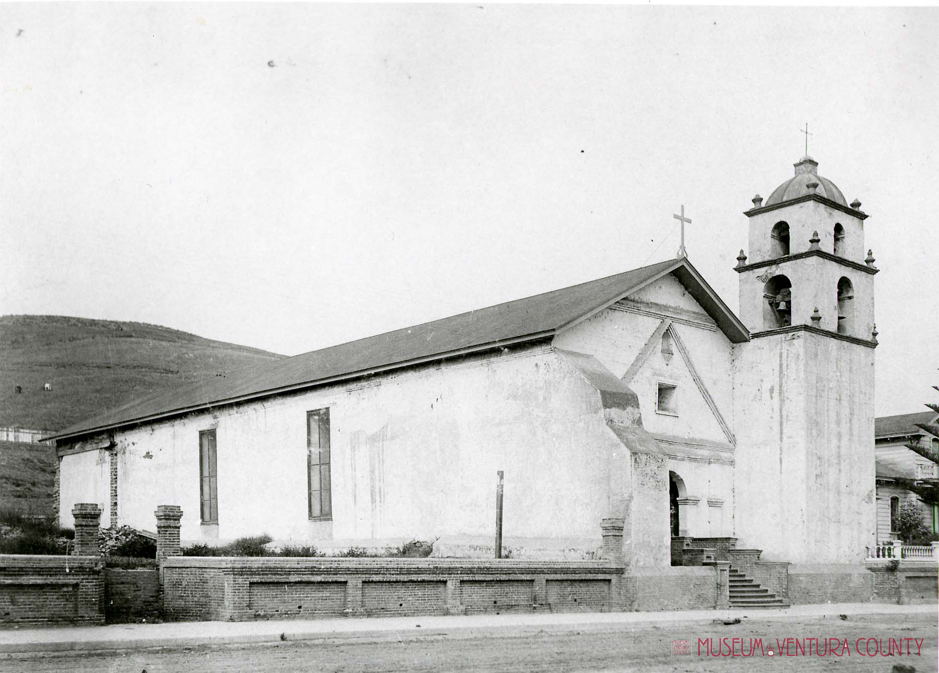 Historical photo of Mission San Buenaventura